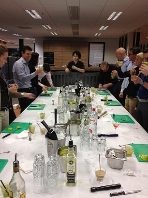 Cocktail workshop voor u en uw collega's